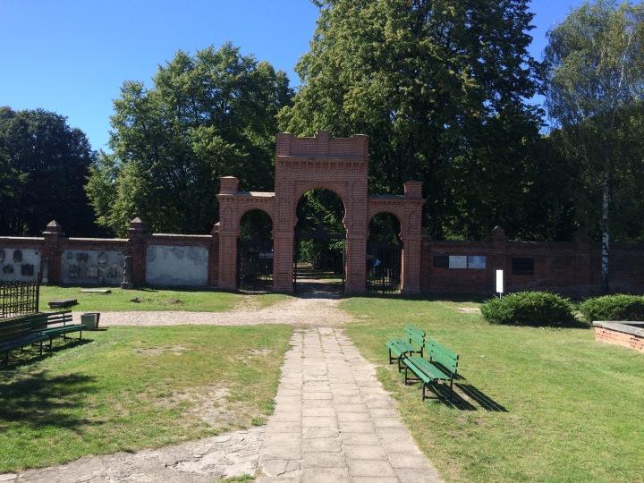 Ingången till begravningsplatsen